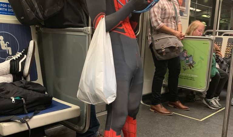 30 WTF Images Of Weird People Traveling On The Subway